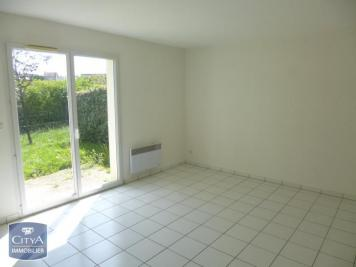 Appartement Sable sur Sarthe &bull; <span class='offer-area-number'>64</span> m² environ &bull; <span class='offer-rooms-number'>3</span> pièces