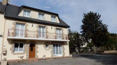 Maison St Jacut les Pins &bull; <span class='offer-area-number'>200</span> m² environ &bull; <span class='offer-rooms-number'>8</span> pièces