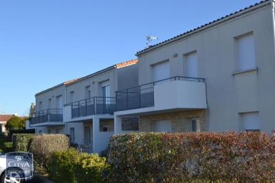 Appartement Lucon &bull; <span class='offer-area-number'>55</span> m² environ &bull; <span class='offer-rooms-number'>3</span> pièces
