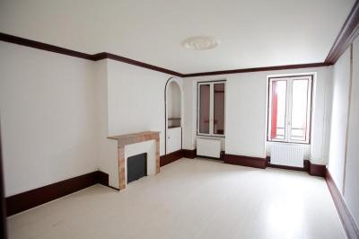 Appartement Mehun sur Yevre &bull; <span class='offer-area-number'>64</span> m² environ &bull; <span class='offer-rooms-number'>3</span> pièces