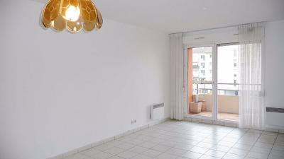 Appartement Bellegarde sur Valserine &bull; <span class='offer-area-number'>77</span> m² environ &bull; <span class='offer-rooms-number'>3</span> pièces