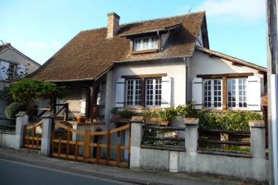 Maison Souesmes &bull; <span class='offer-area-number'>114</span> m² environ &bull; <span class='offer-rooms-number'>4</span> pièces