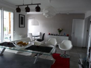 Appartement Sete &bull; <span class='offer-area-number'>71</span> m² environ &bull; <span class='offer-rooms-number'>3</span> pièces