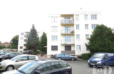 Appartement St Thibault des Vignes &bull; <span class='offer-area-number'>45</span> m² environ &bull; <span class='offer-rooms-number'>2</span> pièces
