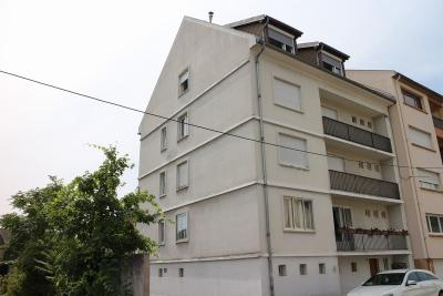 Appartement Le Ban St Martin &bull; <span class='offer-area-number'>86</span> m² environ &bull; <span class='offer-rooms-number'>5</span> pièces