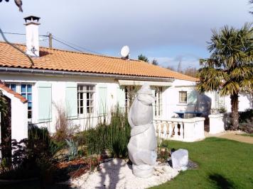 Maison La Creche &bull; <span class='offer-area-number'>113</span> m² environ &bull; <span class='offer-rooms-number'>5</span> pièces