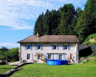 Maison St Laurent du Pont &bull; <span class='offer-area-number'>100</span> m² environ &bull; <span class='offer-rooms-number'>5</span> pièces
