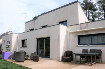 Maison Trefflean &bull; <span class='offer-area-number'>152</span> m² environ &bull; <span class='offer-rooms-number'>6</span> pièces