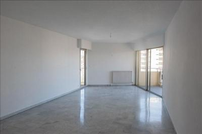 Appartement Toulon &bull; <span class='offer-area-number'>92</span> m² environ &bull; <span class='offer-rooms-number'>3</span> pièces