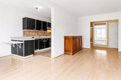 Appartement Lambersart &bull; <span class='offer-area-number'>83</span> m² environ &bull; <span class='offer-rooms-number'>4</span> pièces