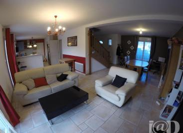 Maison Vaux le Penil &bull; <span class='offer-area-number'>140</span> m² environ &bull; <span class='offer-rooms-number'>7</span> pièces