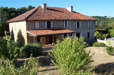 Maison Mirande &bull; <span class='offer-area-number'>310</span> m² environ &bull; <span class='offer-rooms-number'>9</span> pièces