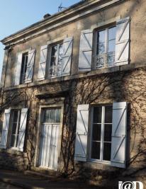 Maison Authon du Perche &bull; <span class='offer-area-number'>145</span> m² environ &bull; <span class='offer-rooms-number'>5</span> pièces