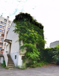 Maison Paris 20 &bull; <span class='offer-area-number'>139</span> m² environ &bull; <span class='offer-rooms-number'>5</span> pièces
