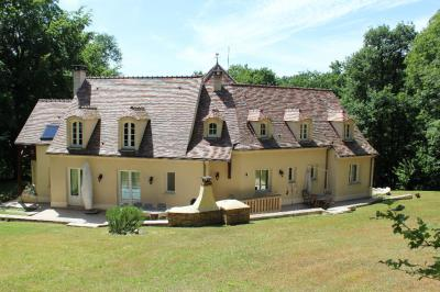 Maison Ermenonville &bull; <span class='offer-area-number'>250</span> m² environ &bull; <span class='offer-rooms-number'>9</span> pièces