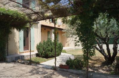 Maison Rognonas &bull; <span class='offer-area-number'>100</span> m² environ &bull; <span class='offer-rooms-number'>4</span> pièces