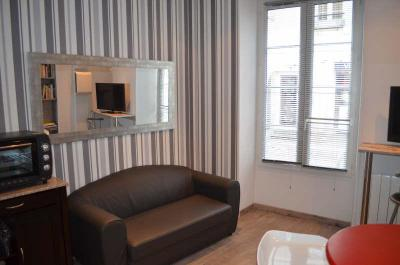 Appartement La Rochelle &bull; <span class='offer-area-number'>22</span> m² environ &bull; <span class='offer-rooms-number'>2</span> pièces