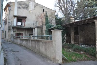 Maison Pernes les Fontaines &bull; <span class='offer-area-number'>220</span> m² environ &bull; <span class='offer-rooms-number'>10</span> pièces