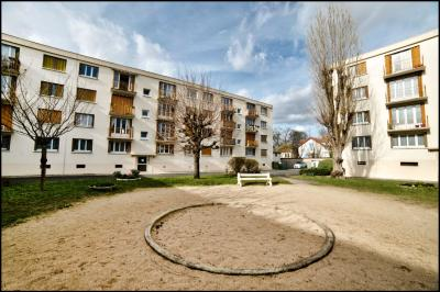 Appartement Villiers sur Marne &bull; <span class='offer-area-number'>67</span> m² environ &bull; <span class='offer-rooms-number'>4</span> pièces