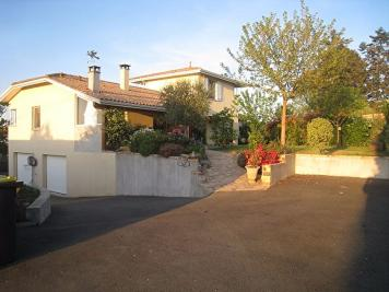 Maison Camblanes et Meynac &bull; <span class='offer-area-number'>189</span> m² environ &bull; <span class='offer-rooms-number'>4</span> pièces