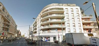 Appartement Les Lilas &bull; <span class='offer-area-number'>86</span> m² environ &bull; <span class='offer-rooms-number'>3</span> pièces