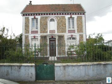 Maison Le Grand Quevilly &bull; <span class='offer-area-number'>100</span> m² environ &bull; <span class='offer-rooms-number'>5</span> pièces