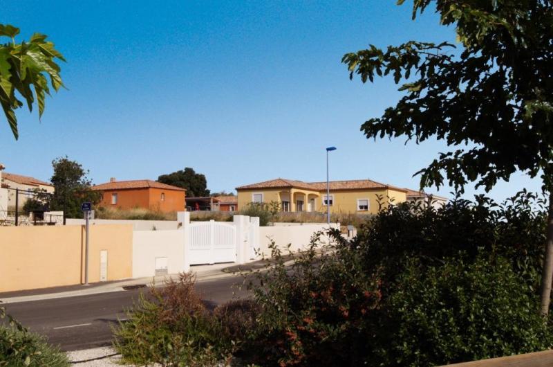 Terrain  892 m² environ Quarante