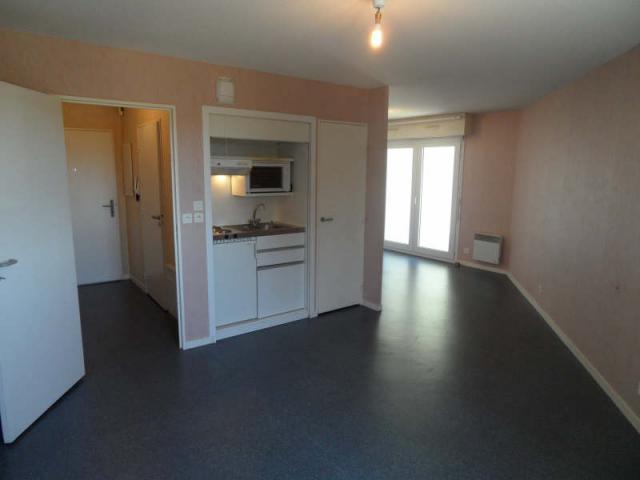 Appartement  34 m² environ  1 pièce Saint-Benoît