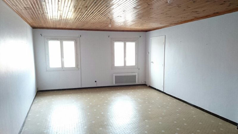 Appartement  111 m² environ  5 pièces Uchaud