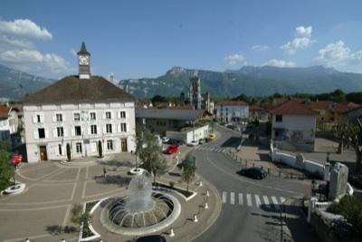Service communication mairie lyon service communication - Piscine de bron ...