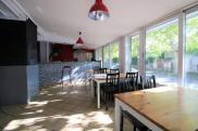 Commerce Les Clayes sous Bois • 245 m² environ