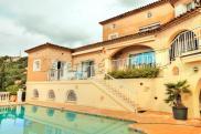 Villa Roquebrune sur Argens • 220m² • 5 p.