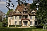 Château / manoir Caen • 1 100m² • 20 p.