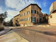 Maison St Galmier • 200m² • 9 p.