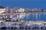 Local commercial Cannes • 124m²