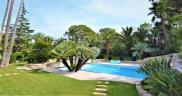Villa St Raphael • 380m² • 7 p.