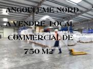 Local commercial Champniers • 756m²