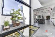 Maison Nimes • 378m² • 10 p.