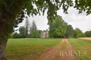 Château / manoir Bourges • 430m² • 16 p.