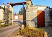 Propriété Etrepagny • 2 000 m² environ • 30 pièces