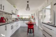 Maison Coutras • 135m² • 8 p.