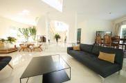Villa Noisy le Grand • 350 m² environ • 10 pièces