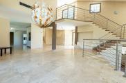 Maison Mougins • 456 m² environ • 9 pièces