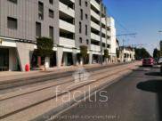 Local commercial Tours • 100m²