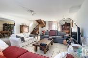 Villa Eyguieres • 200m² • 7 p.
