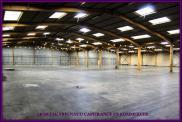 Local commercial Houdan • 1 200 m² environ