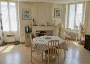 Immeuble St Jean d Angely • 136m² • 4 p.