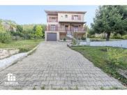 Maison Bourgoin Jallieu • 140m² • 6 p.