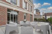 Maison Beauvais • 300m² • 10 p.