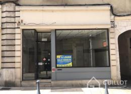 Location Commerce Auxerre